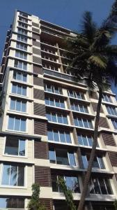 Gallery Cover Image of 1600 Sq.ft 3 BHK Apartment for rent in Juhu for 90000