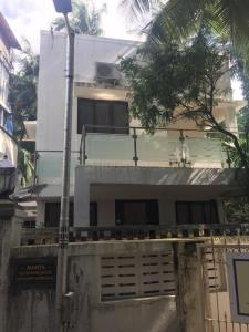 Gallery Cover Image of 4000 Sq.ft 2 BHK Independent House for rent in Juhu for 350000