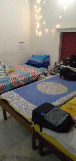 जय गिरि पीजी इन सेक्टर 14 के बेडरूम की तस्वीर