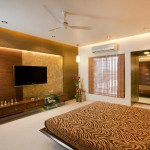 Gallery Cover Image of 2460 Sq.ft 4 BHK Apartment for rent in Ghorpadi for 50000