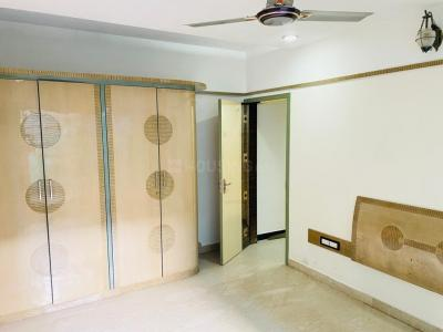 Gallery Cover Image of 2100 Sq.ft 4 BHK Independent Floor for buy in Santacruz West for 57500000