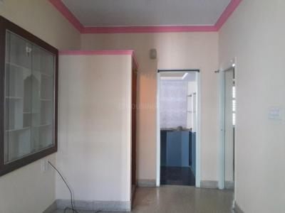 Gallery Cover Image of 750 Sq.ft 2 BHK Apartment for rent in Banashankari for 8000