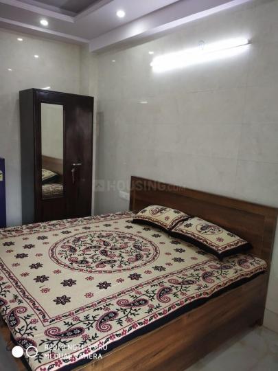 करोल बाग में अफोर्डेबल के बेडरूम की तस्वीर