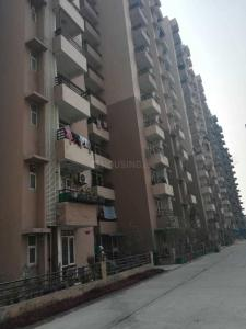 Gallery Cover Image of 1390 Sq.ft 3 BHK Apartment for rent in Sector 135 for 18000