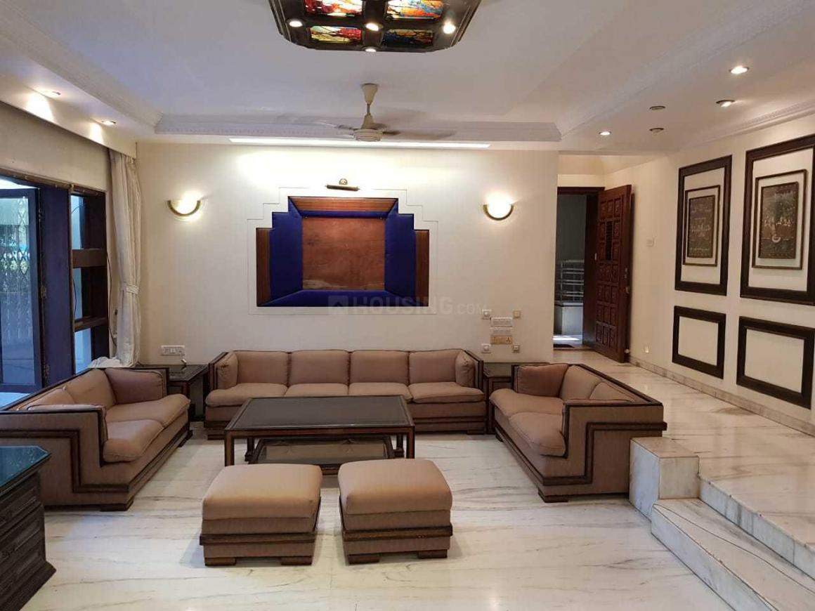 Living Room Image of 1800 Sq.ft 3 BHK Apartment for rent in Juhu for 150000
