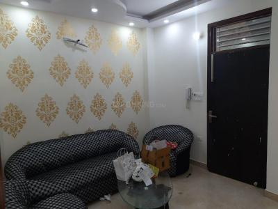 Gallery Cover Image of 760 Sq.ft 3 BHK Independent Floor for rent in Dwarka Mor for 20000
