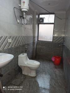 Bathroom Image of Mannat PG in Sector 18