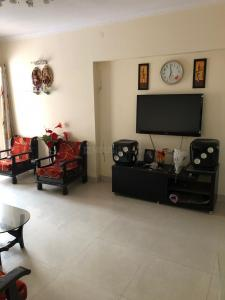 Gallery Cover Image of 1250 Sq.ft 2 BHK Apartment for rent in Malad West for 42000
