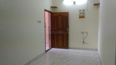 Gallery Cover Image of 795 Sq.ft 2 BHK Apartment for rent in Kolathur for 12000