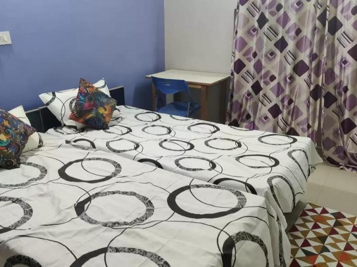 सेक्टर 126 में विक्रांत के बेडरूम की तस्वीर