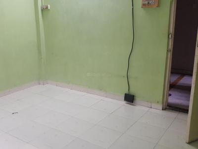 Gallery Cover Image of 800 Sq.ft 2 BHK Apartment for rent in Malad East for 30000