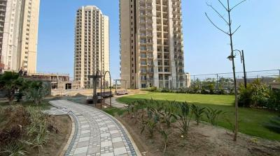 Gallery Cover Image of 1150 Sq.ft 2 BHK Apartment for buy in ATS Allure, Yeida for 2975000
