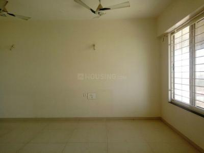 Gallery Cover Image of 1500 Sq.ft 3 BHK Apartment for buy in Mundhwa for 12000000