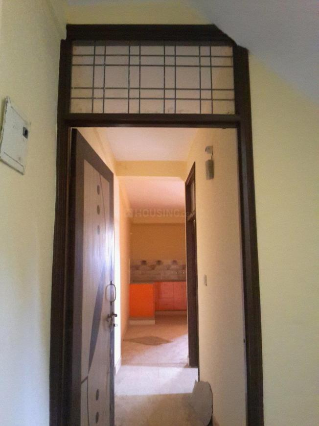Main Entrance Image of 700 Sq.ft 2 BHK Apartment for buy in Aya Nagar for 2800000