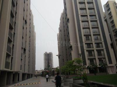 Gallery Cover Image of 1600 Sq.ft 3 BHK Apartment for rent in Bopal for 18000