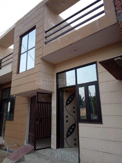 Building Image of 550 Sq.ft 1 BHK Independent House for buy in Crossings Republik for 2100000