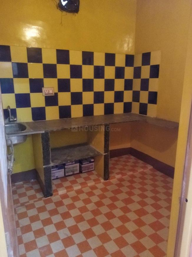 Kitchen Image of 700 Sq.ft 2 BHK Apartment for rent in Keshtopur for 8000