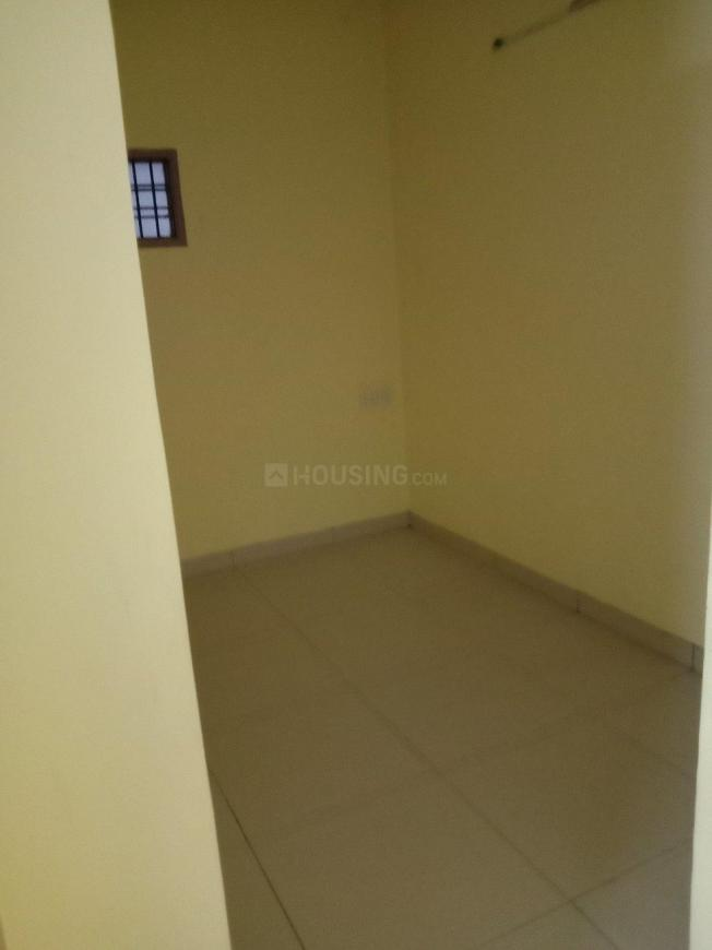 Bedroom Image of 700 Sq.ft 1 BHK Apartment for rent in Velachery for 11500