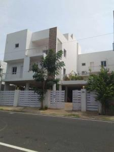 Gallery Cover Image of 2400 Sq.ft 3 BHK Apartment for buy in Panaiyur for 3000000