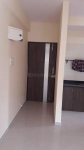 Gallery Cover Image of 400 Sq.ft 1 BHK Apartment for rent in Spring Grove Uno Society, Kandivali East for 17000