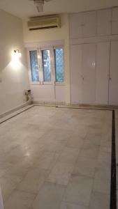 Gallery Cover Image of 4500 Sq.ft 3 BHK Independent Floor for rent in New Friends Colony for 85000