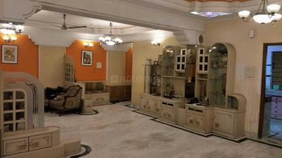 Gallery Cover Image of 2600 Sq.ft 3 BHK Apartment for rent in Elgin for 80000