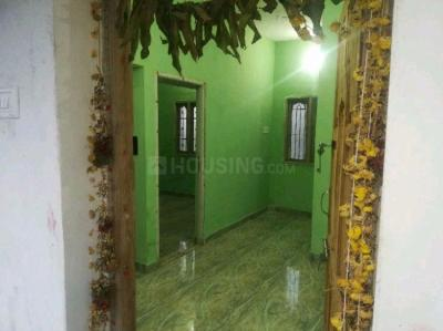 Gallery Cover Image of 650 Sq.ft 1 BHK Independent House for rent in Medavakkam for 6000