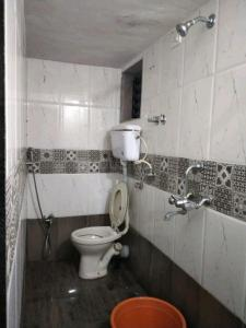 Bathroom Image of Ayush Paying Guest Services in Kopar Khairane