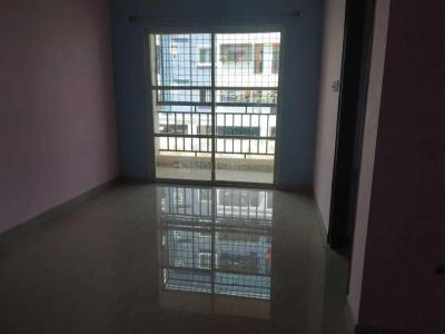 Gallery Cover Image of 1100 Sq.ft 2 BHK Apartment for rent in Singasandra for 18000