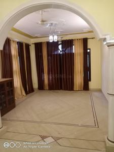 Gallery Cover Image of 1760 Sq.ft 3 BHK Independent House for rent in Delta I Greater Noida for 15000