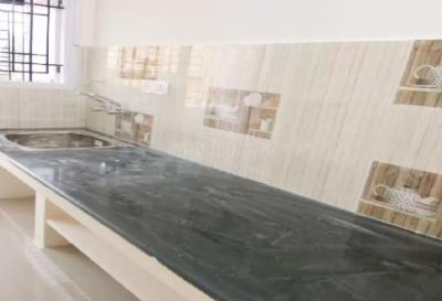 Gallery Cover Image of 800 Sq.ft 2 BHK Apartment for rent in Nanganallur for 15000