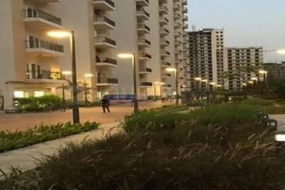 Gallery Cover Image of 1495 Sq.ft 3 BHK Apartment for rent in Panchsheel Pratishtha, Sector 75 for 19000
