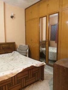 मालवीय नगर में स्माइल के बेडरूम की तस्वीर