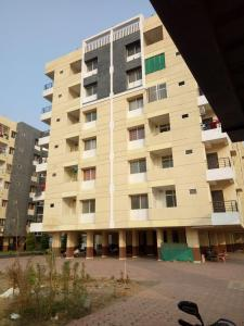 Gallery Cover Image of 700 Sq.ft 2 BHK Apartment for buy in Lasudia Mori for 2221000