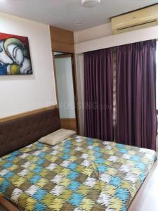 Gallery Cover Image of 1550 Sq.ft 3 BHK Apartment for rent in Mukul Rushi Heights, Malad East for 60000