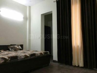 रॉयल पीजी इन सेक्टर 48 के बेडरूम की तस्वीर