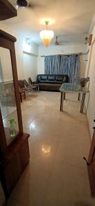 Gallery Cover Image of 980 Sq.ft 2 BHK Apartment for rent in Santacruz East for 50000