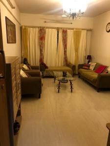 Gallery Cover Image of 1456 Sq.ft 3 BHK Apartment for buy in Rassaz Castle, Andheri East for 27000000