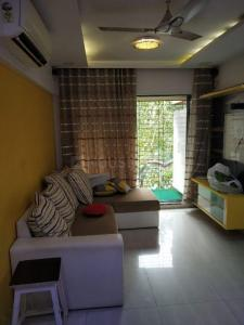 Gallery Cover Image of 650 Sq.ft 1 BHK Apartment for rent in Sethia Sea View, Goregaon West for 32000