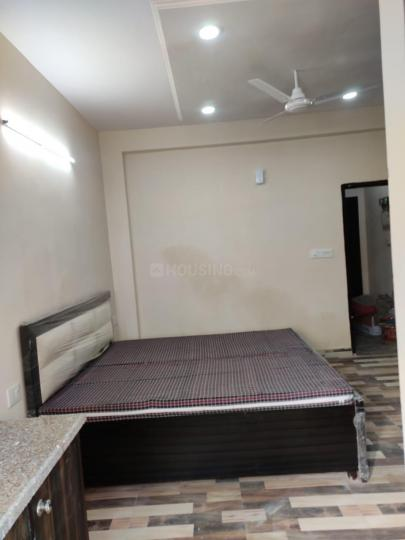 सेक्टर 44 में श्री लक्ष्मी अकॉमोडेशन के बेडरूम की तस्वीर