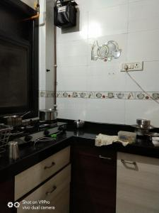Gallery Cover Image of 620 Sq.ft 1 BHK Independent House for rent in Nerul for 13500
