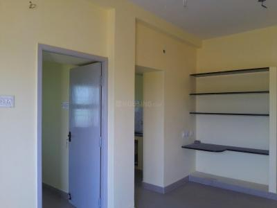 Gallery Cover Image of 500 Sq.ft 2 BHK Independent House for buy in Thiruthavali for 2600000