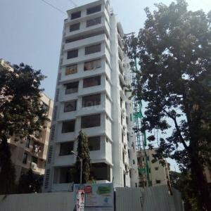 Gallery Cover Image of 780 Sq.ft 2 BHK Apartment for buy in Malad West for 15500000