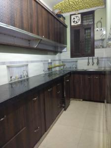 Gallery Cover Image of 740 Sq.ft 2 BHK Independent Floor for rent in Geeta Colony for 16000