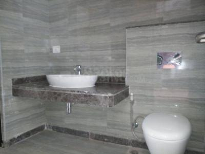 चिन्टेल्स सेरेनिटी, सेक्टर 109  में 21000000  खरीदें  के लिए 2925 Sq.ft 2 BHK अपार्टमेंट के बाथरूम  की तस्वीर