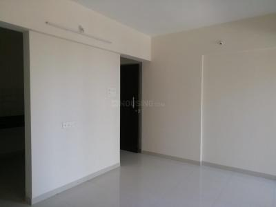 Gallery Cover Image of 920 Sq.ft 2 BHK Apartment for rent in Pankaj Aasmaan, Lohegaon for 15000