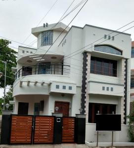 Gallery Cover Image of 1850 Sq.ft 3 BHK Independent House for buy in Injambakkam for 12500000