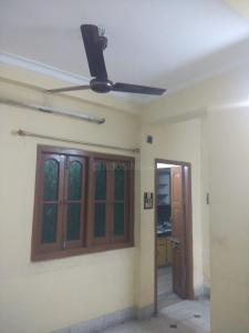 Gallery Cover Image of 1050 Sq.ft 2 BHK Apartment for rent in Entally for 20000
