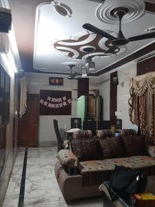 Gallery Cover Image of 1600 Sq.ft 5 BHK Independent House for buy in Nehru Nagar for 8000000