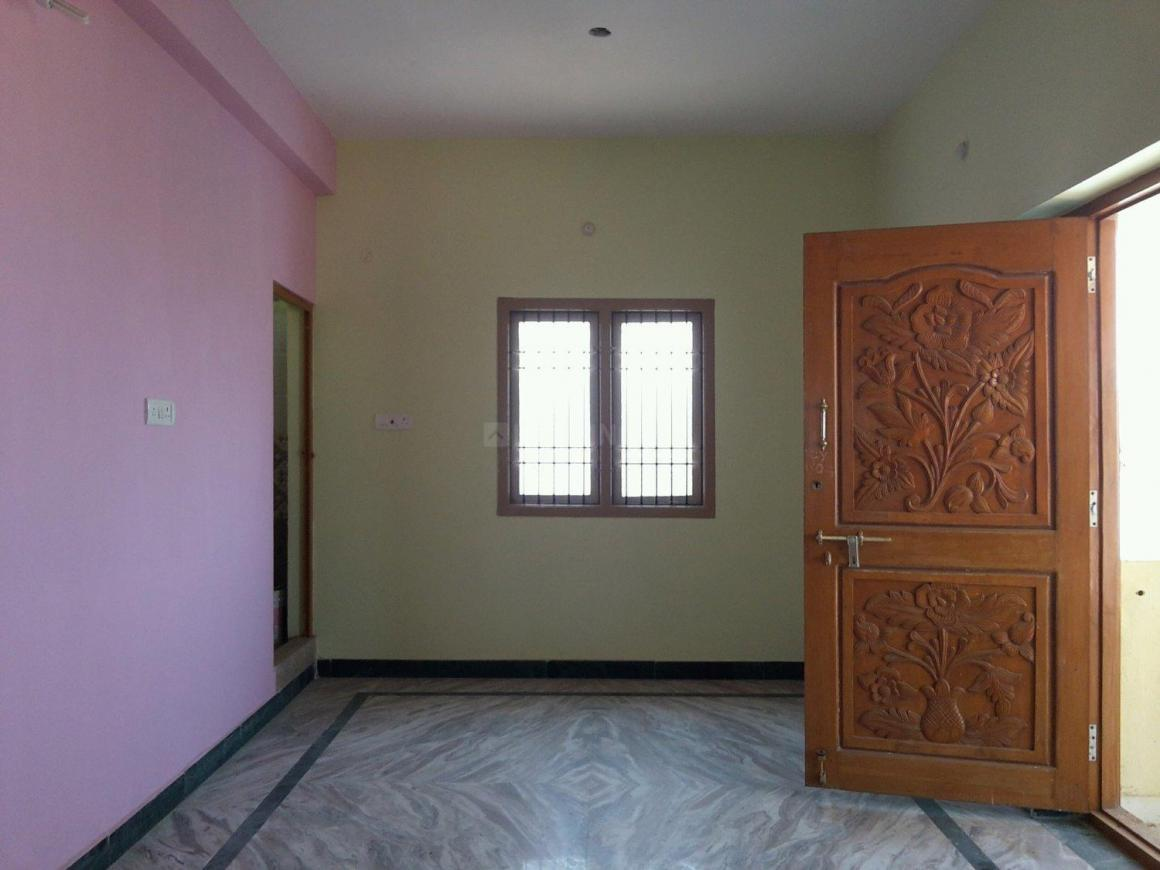 Living Room Image of 953 Sq.ft 2 BHK Apartment for rent in Korattur for 11000